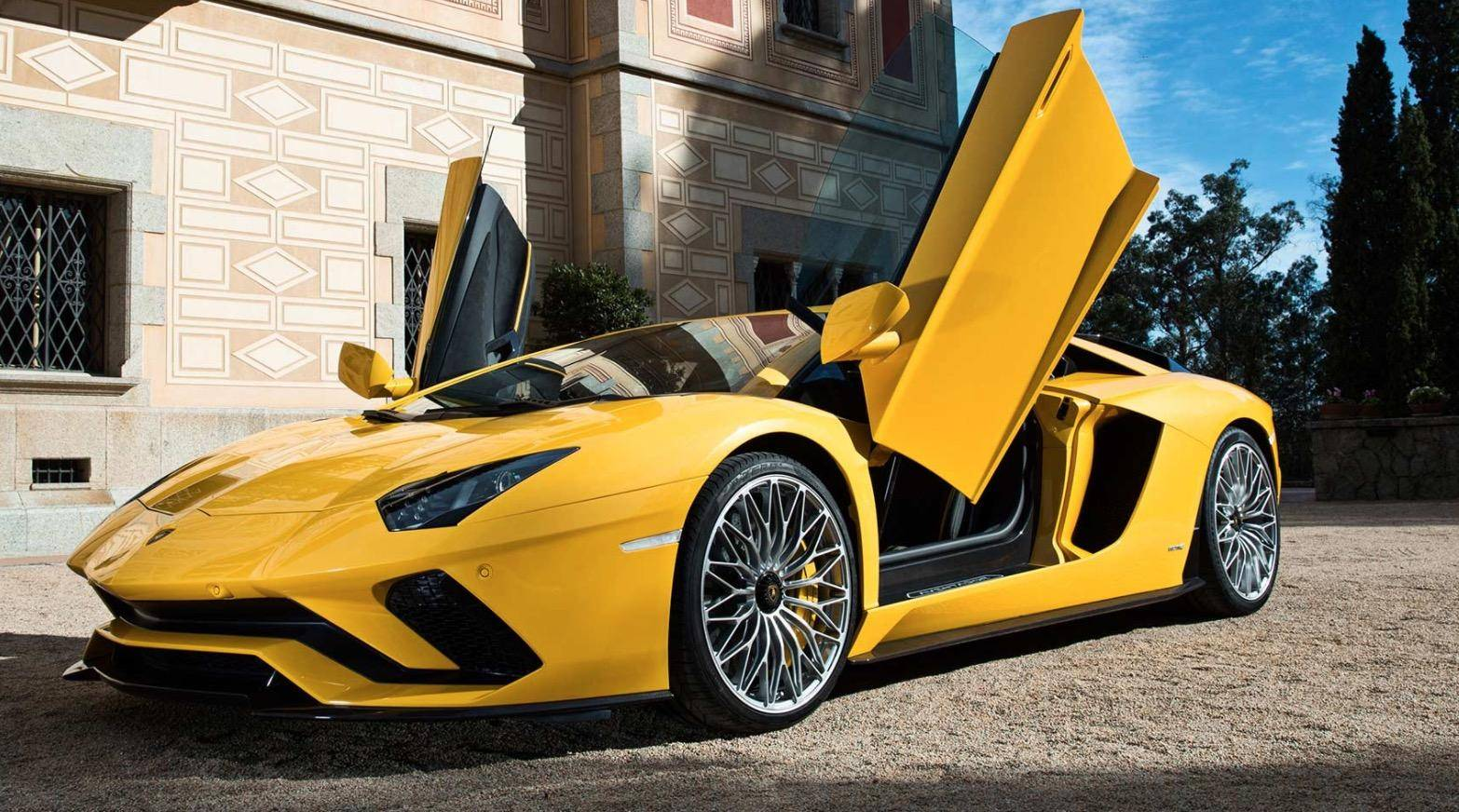 Gentil 2018 Lamborghini Aventador S Is The First Supercar To Support  Android Auto